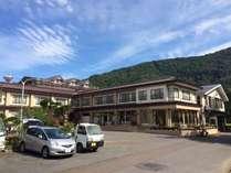 目の前に広がる美しい四季折々の十和田湖を臨めるレークサイドホテル