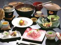 【基本料理×会場食×禁煙】夕食の鉄板焼きのお肉を選んで、お風呂とトイレの付いた客室で過ごす♪