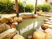 大阪では珍しい天然温泉の露天風呂にて、日頃の疲れをたっぷり癒やしてくださいませ。