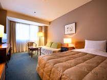 【シングル】市内最大級を誇る21平米・ベッド幅120cmのお部屋。ゆったりとした空間で安らぎのひと時を。