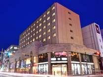 【ホテルロイヤル盛岡】JR盛岡駅北口より徒歩約10分。市内最大級の客室の広さを誇る寛ぎの空間へ。