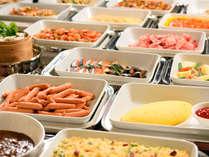 【ホテル自慢の朝食バイキング】和洋中種類豊富なメニューをご用意!営業時間7時~10時まで