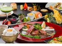 【あか牛ステーキプラン】あか牛のお肉は赤身が多く脂は魚の脂のようにサラサラです。女性に大人気。