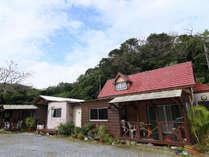 OKINAWA茶房&ペンションやまご家外観です。
