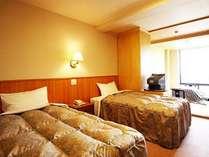 明るい和洋室は、お部屋から南アルプスが見えます。