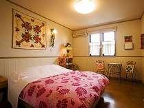 ダブルベットルーム実際にご宿泊頂くお部屋は写真より広めのお部屋です。現在写真を準備中