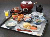 「浮橋」の朝食は、ごはんか朝粥をお選び頂けます・・・京都の朝をご堪能下さい。(イメージ)