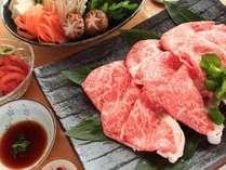 【伝統の但馬牛をすき焼きで食する】血統証付★まろやかな霜降りの味にも納得!