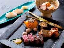【翠山御膳/2018秋膳のお料理一例】旬の味覚をふんだんに使用し、彩りや盛り付けにも工夫を凝らします。