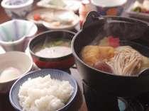 白山の有機米コシヒカリのご飯で食べる朝食は格別のおいしさ!