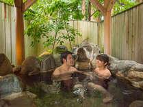 カップル・ご夫婦に好評の貸切風呂二人でゆったりと温泉をご堪能ください