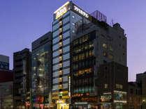 ホテル外観(靖国通り沿い)