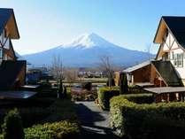 施設内から雄大な富士山をご覧いただけます
