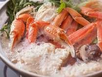 ①「湯気が恋しい季節です!」寒い日はお鍋を囲みませんか?〆の雑炊は蟹味噌を入れ当館秘伝のお出汁で