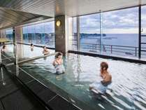 地上40m展望温泉大浴場開放的空間癒しの極湯でごゆっくりとお寛ぎください。