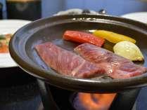【上州牛の陶板焼き】群馬県産・上州黒毛和牛(A5ランク)を自家製タレで♪