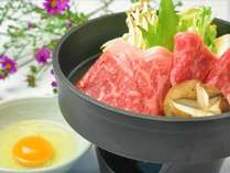【上州黒毛和牛のすき焼き】A5ランクの上質なサシの旨味が口いっぱいに広がります♪