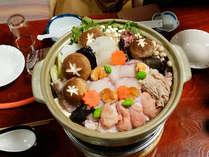 *【あんこう鍋】茨城の冬の味覚と言えばコレ!味噌仕立ての出汁とともにお召し上がり下さい(一例)