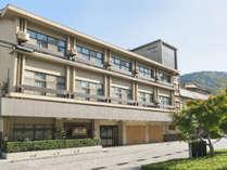 【外観】世界遺産「平等院」から徒歩5分。京都・奈良観光にも便利です