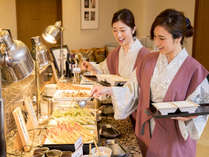 黒毛和牛鉄板焼、会席小鉢、天婦羅、デザート等をお愉しみいただけます。