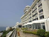 西浦温泉の一番高台に位置するホテル東海園は、三河湾を360度一望する絶景の旅館です。