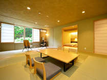 【Bタイプ】メゾネットタイプ半露天風呂付客室。1階は和室と寝室。地下階はお風呂とパウダールーム