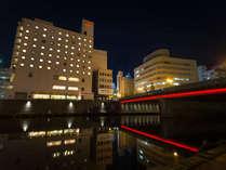 ■ホテル外観(夜景)