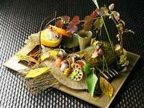 秋の彩り豊な夕食膳(写真一例)