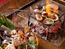 囲炉裏で食べる炭火焼