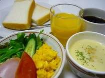◆朝食サービス◆トースト・サラダ・スープ・ドリンクをご用意しております。am7:00~9:00まで