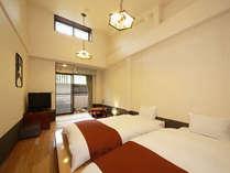 モダンな雰囲気が人気の露天風呂付和風ツイン客室(WiFi無料)