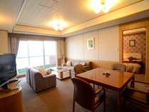 【1980号室】~応接スペースのついたツインルームの特別室。広々とした空間で贅沢なひとときを~
