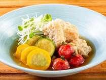 【食欲全開!盛りモリビュッフェ】カスベとズッキーニの揚げ浸し