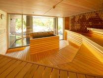 【月の湯】日本初導入フィンランド・ミサ社の大型ストーブと国産檜でつくられたロウリュサウナ。