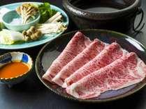 【日本三大和牛*米沢牛の「白布しゃぶしゃぶ」】まるで白い絹のような霜降りは極上の味わいです(一例)