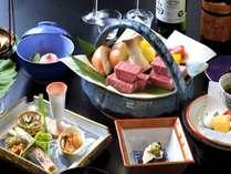 【米沢牛フィレステーキ会席】ステーキに最適な柔らかな赤身のフィレを目の前で焼き上げます