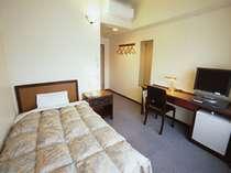 【客室】2006年12月リニューアル!ベッド幅120cm,14㎡とゆったり。無線LANとウォシュレットも完備