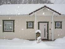 北欧スカンジナビアデザインのかわいい外観、フィンランドハウスだから-20度の真冬も安心です。