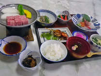 *お夕食一例、御座敷にてお召し上がり頂きます。