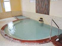 【温泉】泉質はアルカリ性単純温泉なのでしっとりと肌になじみ、スベスベになると好評です♪