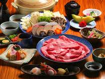 兵庫県産但馬牛をお楽しみください。写真はしゃぶしゃぶ会席(イメージ)。すき焼きもお選びいただけます。