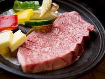 地元兵庫県産A5ランク神戸牛フィレステーキ。柔らかくてジューシーな神戸牛をお召し上がりください。