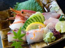 お造りたっぷり7点盛り♪ お魚好きな方のためのプランをご用意しました。
