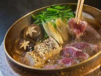 「京鴨のすき焼き」を特製割り下でお召し上がりください。