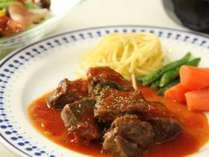 夏はお肉中心のお料理を中心とした季節に合わせたお夕食をご賞味いただけます。