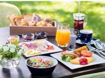 契約農家から届く地元・信州の野菜を使用したメニューをご用意しております。