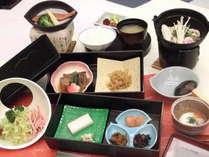 *朝食一例/あたたかいものはあたたかい内に…。和食膳をご用意します。