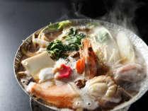 *オリジナル鍋(一例)/寒い冬にはあったかい食べ物が欲しい!しん喜オリジナル鍋もご用意しております。