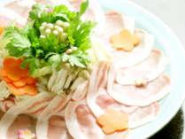 *「和豚もちぶた」しゃぶしゃぶ/桜色の引き締まったお肉は柔らかくて甘みがしっかり!当館おすすめの一品♪