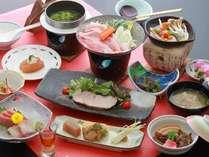 料理一例:「シルク会席 団欒コース」ちょっと気軽に楽しめるリーズナブルな会席料理です